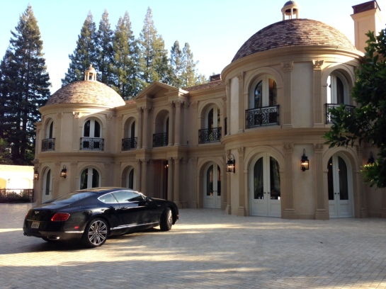 Yes, it feels like the Belaggio and that IS a Bentley in the driveway